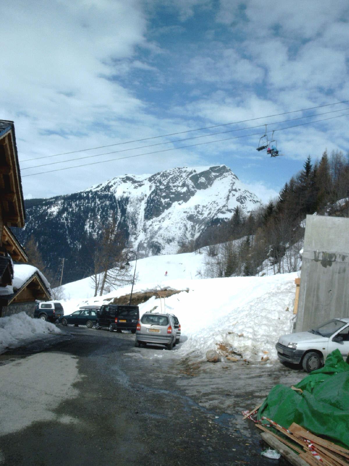 sfs_dorpje_berg_stoeltjeslift.jpg